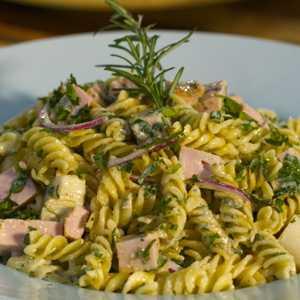 pasta-fria y hiervas