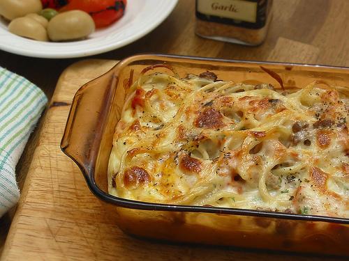 Macarrones al horno con queso espinacas y tocineta por pastas roma - Macarrones con verduras al horno ...