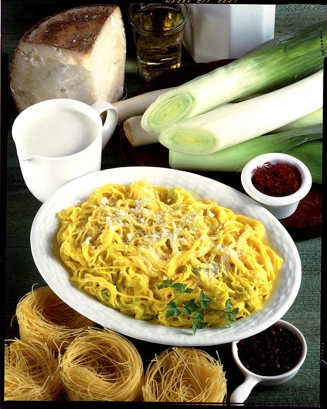 piatto-pronto-ingredienti-tazza-ciotole