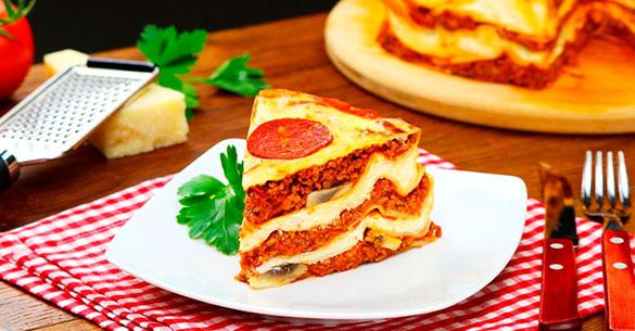 Lasagna de pizza con pepperoni
