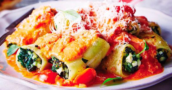 Canelones rellenos de espinaca y queso